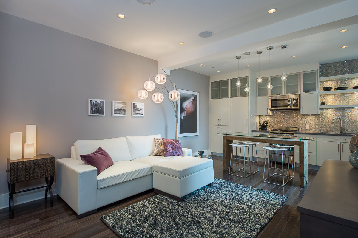 After - Seamlessly integrates the kitchen and eating areas into one enjoyable space.