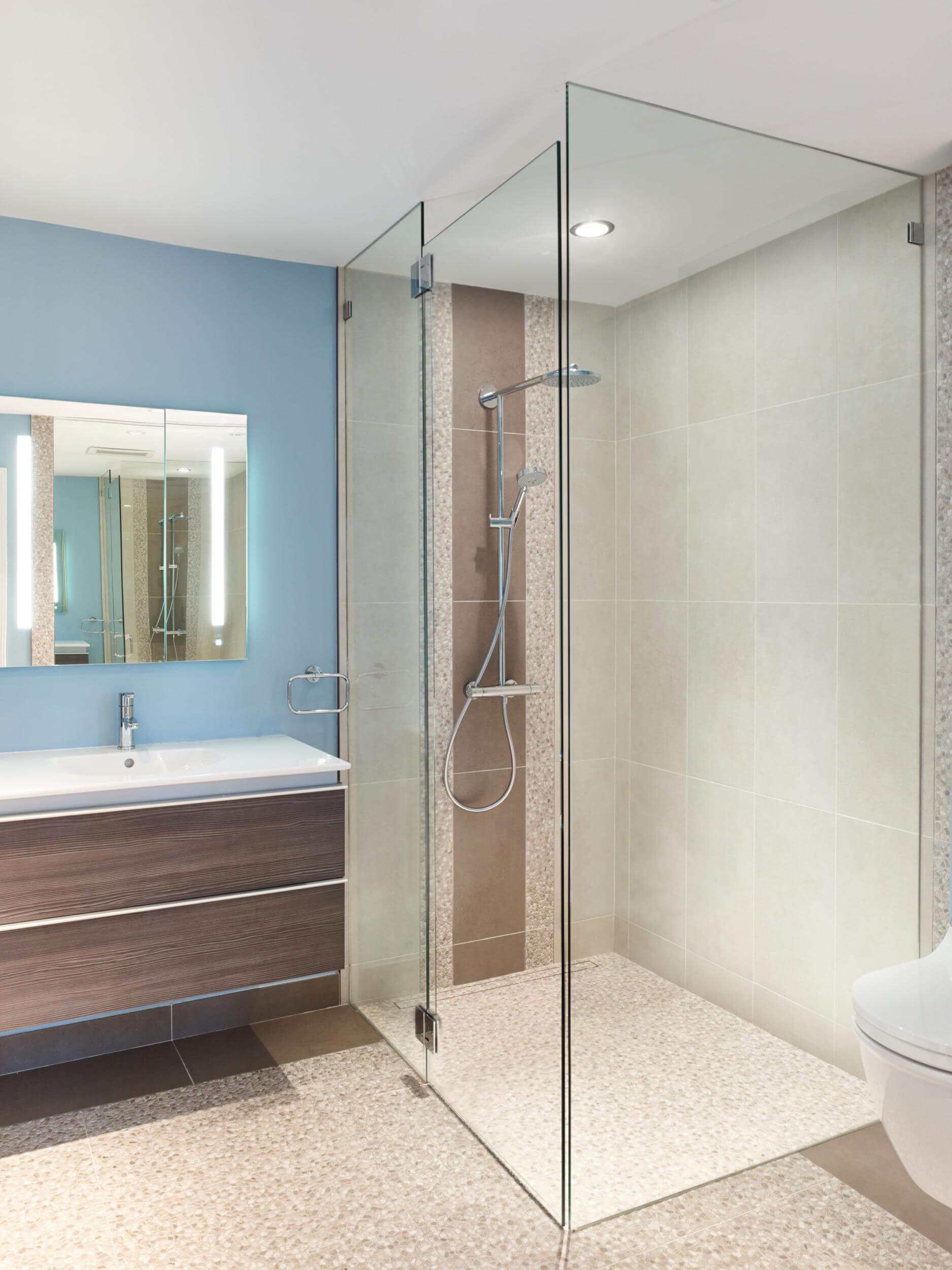 blau badezimmer - bathroom renovation - revision custom home, Badezimmer ideen