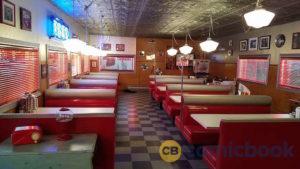 riverdale-pops-inside-dinner
